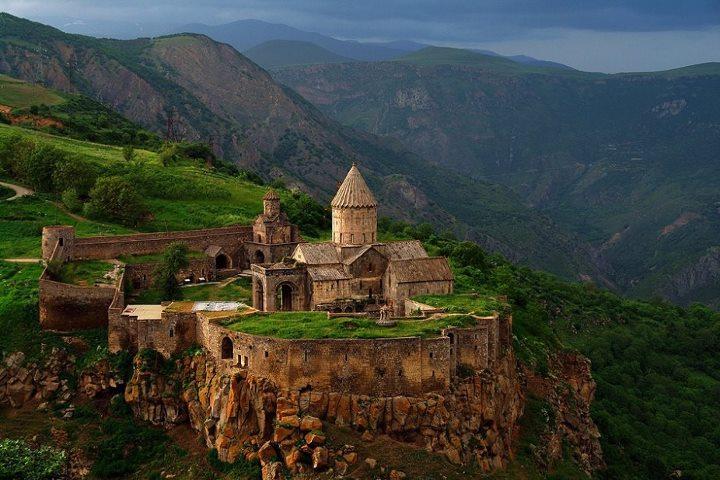 Предсказания для Еревана и Армении от пророков и экстрасенсов