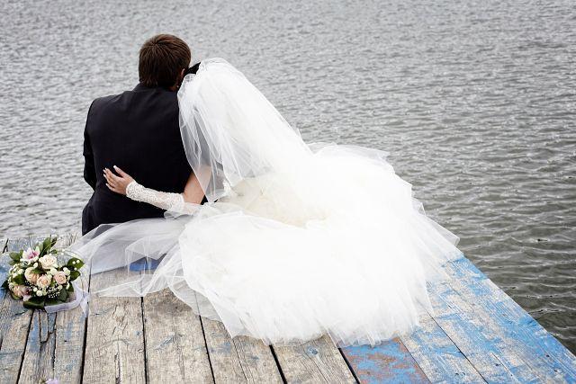 Свадебное платье одевать приметы